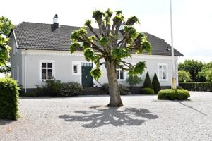 Västanby Gård
